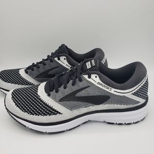 Brooks Revel White Black Size 8.5